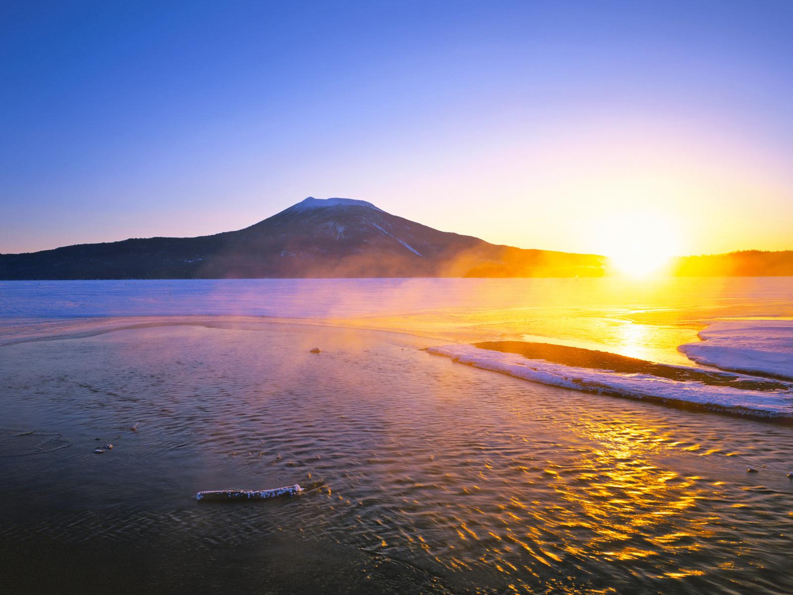 Азиатская страна где новый год принято встречать с восходом солнца